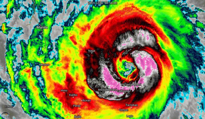 Powerful Typhoon Kammuri(29W), cat 4, tracking almost over Legazpi shortly