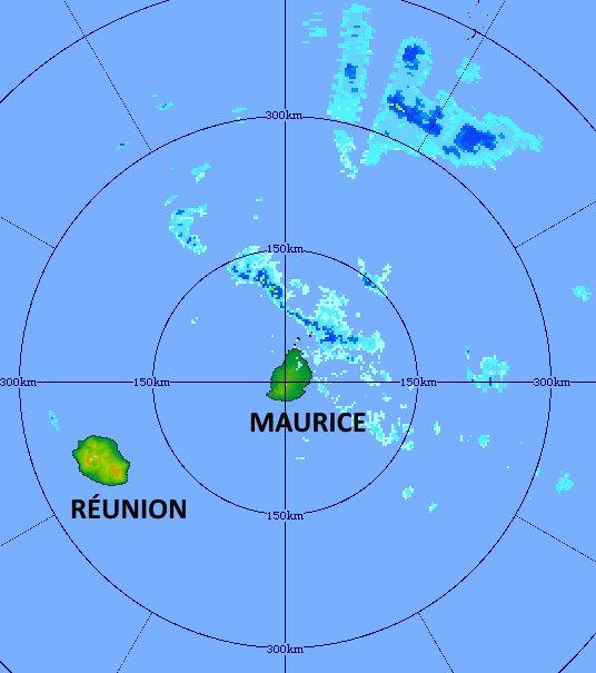 Radar de TAC à 18h01. Des bandes pluvieuses sont en approche de MAURICE. Le temps devient plus humide par l'Est sur les Iles Soeurs. MMS/Vacoas