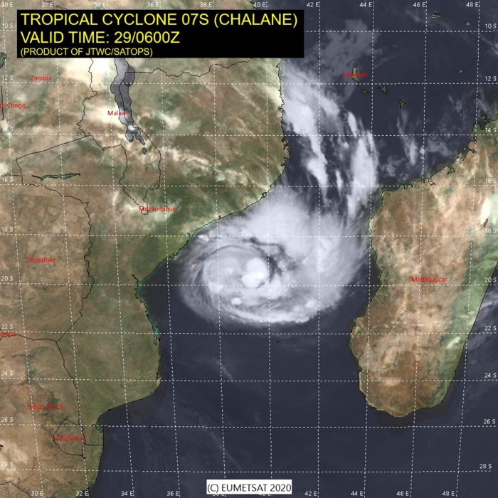 TC 07S(CHALANE) intensifying and forecast to make landfall near Beira/MOZ with winds close to US/CAT 1