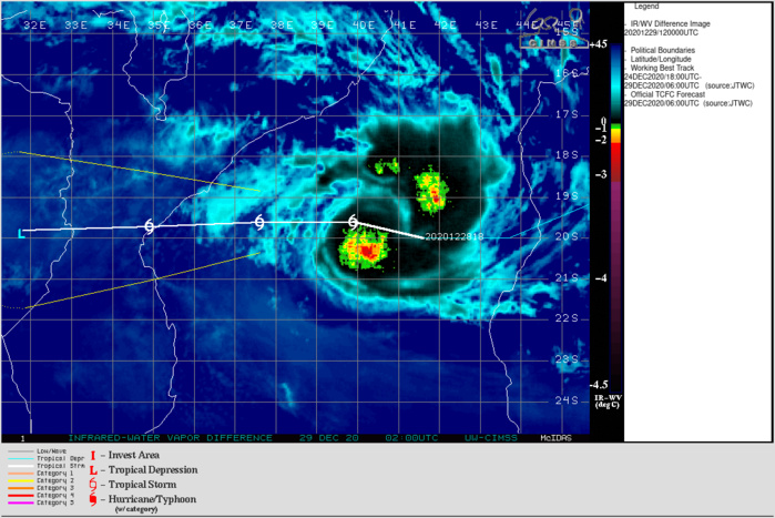 DEEPENING CENTRAL CONVECTION. CLICK TO ANIMATE IF NECESSARY.