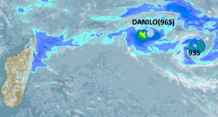 Les couleurs représentent les nuages porteurs de pluies modérées ou fortes(jaune). Les Mascareignes sont à l'écart pour le moment.