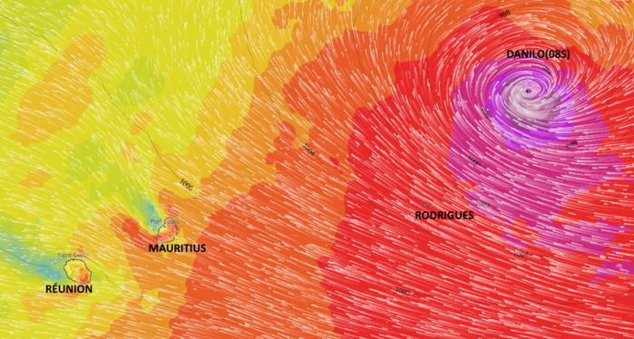 Le vent commence à se renforcer sensiblement par l'Est des Mascareignes Jeudi et Vendredi alors que DANILO se rapproche. Toutefois il est encore difficile de préciser avec un bon degré de confiance quelle sera l'intensité exacte du phénomène une fois en approche des ILES SOEURS.MB/PH