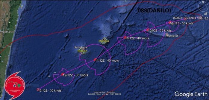 AS OUTFLOW SLOWLY IMPROVES OVER  THE NEXT 24 TO 48 HOURS, THE SYSTEM WILL SLOWLY INTENSIFY TO A PEAK  OF 40 KNOTS BY 48H.