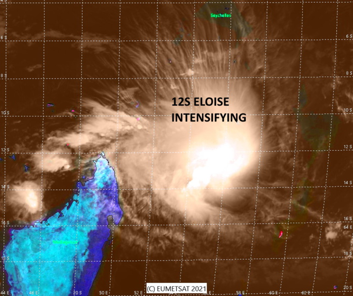 18/06UTC. SATELLITE  IMAGERY REVEALS A PARTIALLY-EXPOSED LOW-LEVEL CIRCULATION CENTER  (LLCC) OBSCURED UNDER THE SOUTHEASTERN EDGE OF PERSISTENT DEEP  CONVECTION.