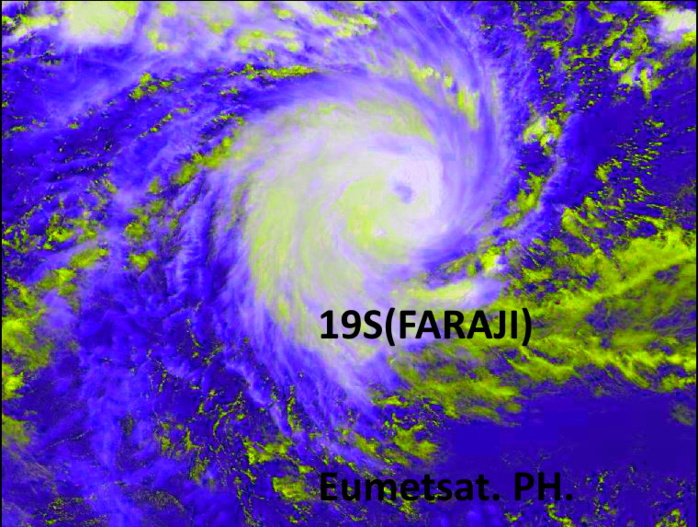 19S(FARAJI).06/0915UTC. HIGH RESOLUTION SATELLITE ANIMATION SHOWS RAPIDLY IMPROVING SIGNATURE WITH A RAPIDLY BUILDING EYE FEATURE. EUMETSAT. ENHANCED BY PATRICK HOAREAU.