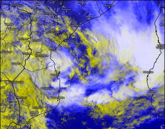 INVEST 93S. 16/07UTC. DEEP CONVECTION OVERHEAD THE LOW LEVEL  CIRCULATION CENTER (LLCC) GRADUALLY MOVING NORTHEASTWARD OUT TO SEA. Eumetsat. PH.