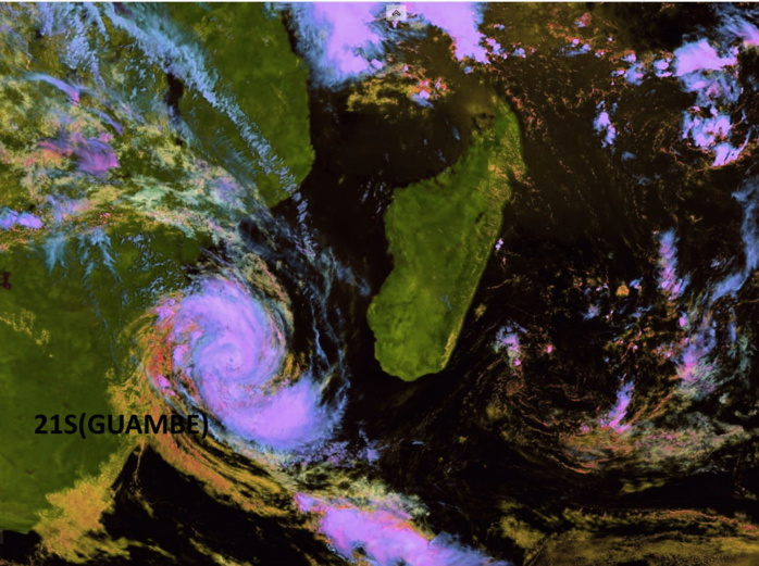 21S(GUAMBE). 21/0830UTC. CYCLONE SHOWING SIGNS OF POSSIBLE RAPID INTENSIFICATION NEXT 12HOURS. Eumetsat. Enhanced by Patrick Hoareau.