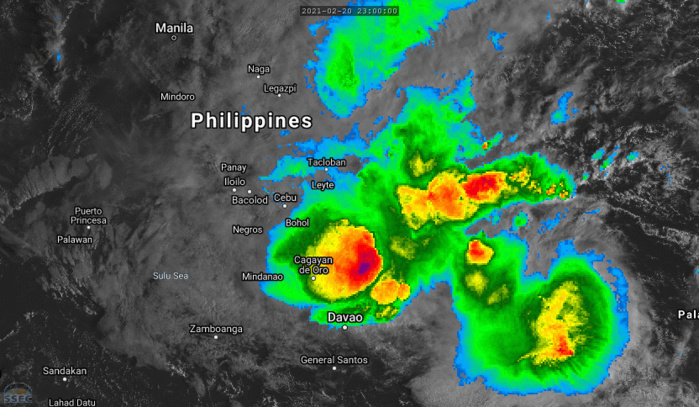 01W(DUJUAN). 22/08UTC. ANIMATED MULTISPECTRAL SATELLITE  IMAGERY SHOWS DEEP, EXPANSIVE, FLARING CONVECTION OVER  SOUTHEASTERN PHILIPPINES AND AHEAD OF THE LOW LEVEL CIRCULATION. CLICK ON THE IMAGERY TO ANIMATE.
