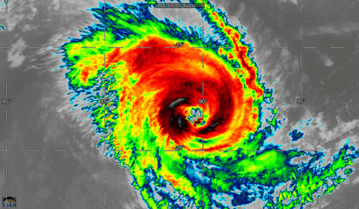 22S(MARIAN). 01/1330UTC. ANIMATED ENHANCED INFRARED SATELLITE IMAGERY INDICATES THAT THE CONVECTIVE CLOUD  TOPS HAVE WARMED AND THE EYE HAS BECOME INCREASINGLY RAGGED OVER THE  PAST SIX HOURS. CLICK ON THE IMAGERY TO ANIMATE IT.