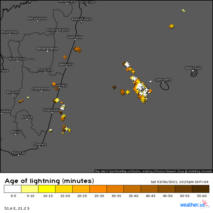 INVEST 91S. 06/1825UTC. THUNDERY ACTIVITY TO THE WEST OF RÉUNION ISLAND.