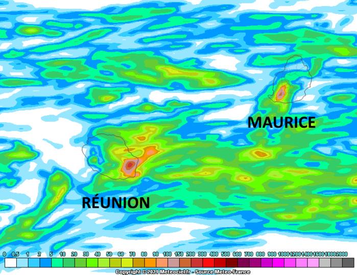 Modèle Arome de Météo France. Accumulation des précipitations simulées par le modèle entre Dimanche 4heures et Lundi 22heures. MCIEL.