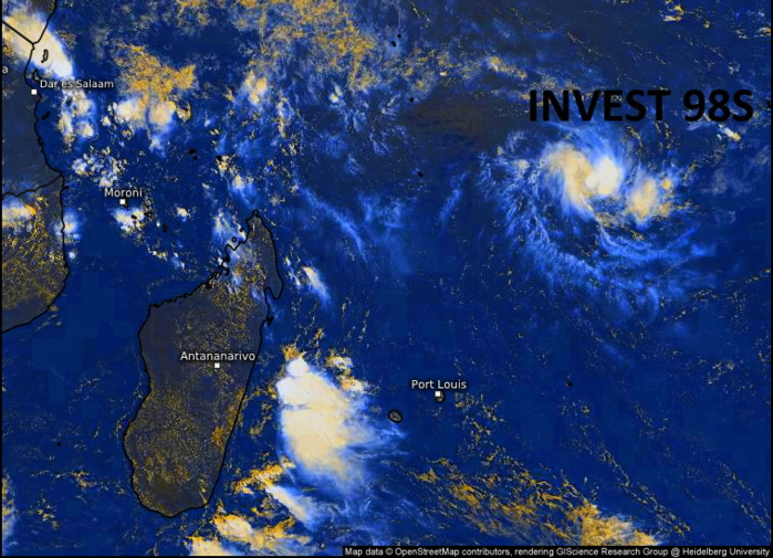 INVEST 98S. 27/0645UTC. FORMATIVE BANDING AND  PERSISTENT CONVECTION FLARING NEAR A LOW LEVEL CIRCULATION CENTER. Eumetsat. Enhanced by Patrick Hoareau.