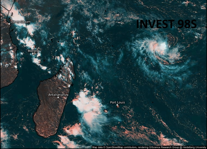 INVEST 98S. 27/0915UTC. ANIMATED MULTISPECTRAL SATELLITE  IMAGERY DEPICTS A WELL-DEFINED LOW LEVEL CIRCULATION CENTER (LLCC)  LOCATED NEAR THE NORTHEAST EDGE OF A MASS OF CONVECTION THAT HAS  EXHIBITED PULSING BURSTS DURING THE PAST 6 HOURS. SATELLITE IMAGERY  INDICATES THAT THE MID-LEVEL CIRCULATION CENTER IS DISPLACED WEST OF  THE LLCC AS A RESULT OF 10-15 KTS OF EASTERLY VERTICAL WIND SHEAR,  AND THE LLCC IS PARTIALLY EXPOSED ON THE NORTHEAST SIDE. HOWEVER, A  270533Z ASCAT-C IMAGE REVEALS A COMPACT CIRCULATION THAT HAS SEEN  ITS RADIUS OF MAXIMUM WIND CONTRACT SUBSTANTIALLY TO AROUND 20 NM  DURING THE PAST 12 HOURS, WITH A BAND OF 30 KT WINDS ENCOMPASSING  THE ENTIRE NORTHWESTERN SEMICIRCLE. HEALTHY UPPER-LEVEL OUTFLOW IS  OBSERVED IN ALL QUADRANTS EXCEPT NORTHEAST. Eumetsat. Enhanced by Patrick Hoareau.