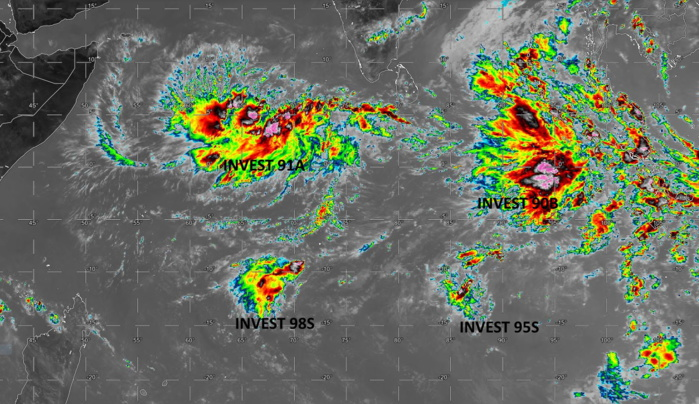 29/08UTC. INDIAN OCEAN. 4 INVEST AREAS. 90B AND 91A TO THE NORTH OF THE EQUATOR. 95S AND 98S TO THE SOUTH OF THE EQUATOR.
