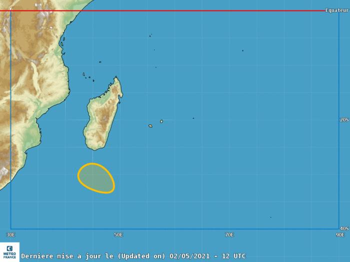 Au cours des prochaines 48h la zone dépressionnaire au Sud de MADA a un potentiel modéré de développement en tempête subtropicale( système hybride, caractéristiques à la fois tropicales et extra-tropicales) selon le CMRS de la RÉUNION.