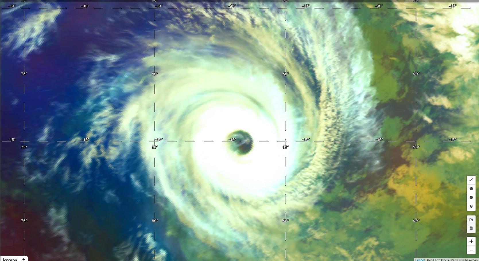 Cyclone tropical KENANGA(06S). Satellite: Himawari-8 à 17h30