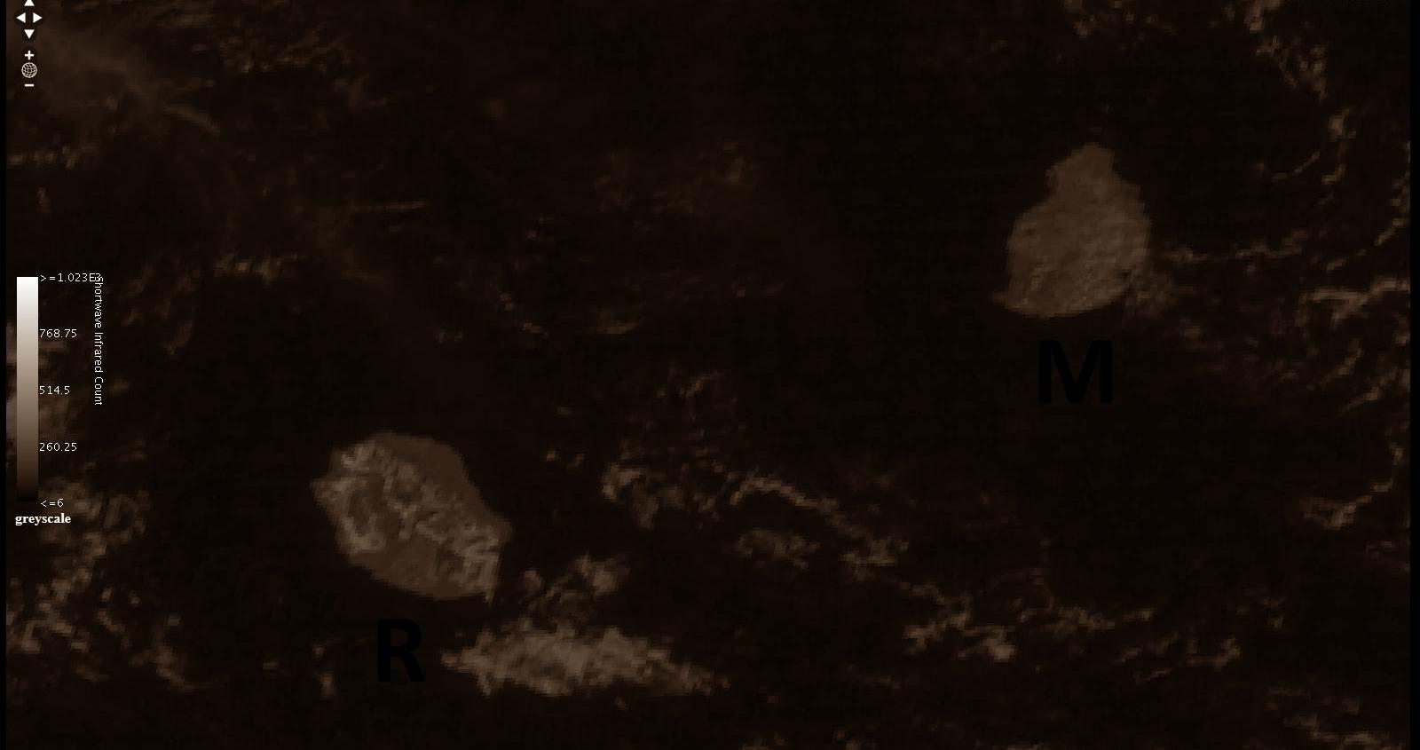 Cliquez sur l'image.Satellite indien Insat3D à 09h. Les nuages commençaient à se développer mais les sommets sont encore bien dégagés.