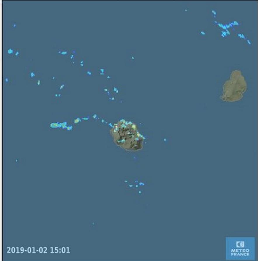 15h01: les radars de Météo France Réunion affichent des échos principalement situés sur le nord et l'est pour le moment.