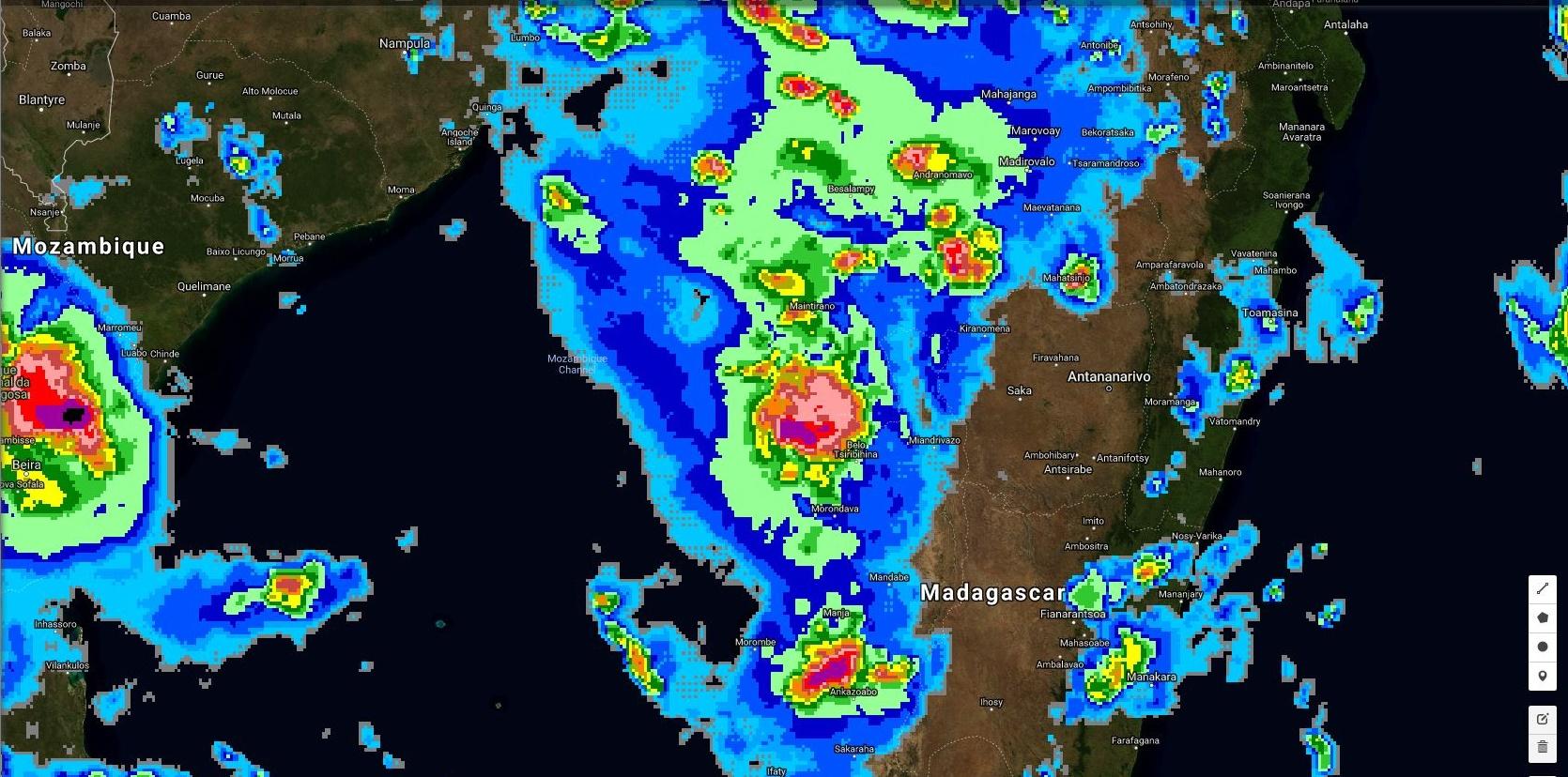 23h30: maximum de précipitation observé au nord ouest de Morondava.