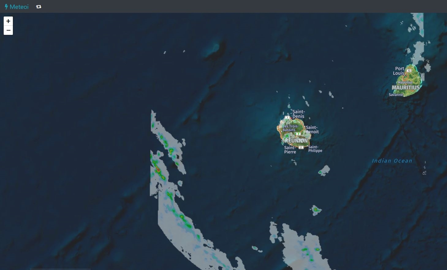 A 17h les premières bandes actives sont situées à un peu moins de 190km à l'ouest sud ouest de la Réunion. Radars MFR. Crédit https://www.meteoi.re/