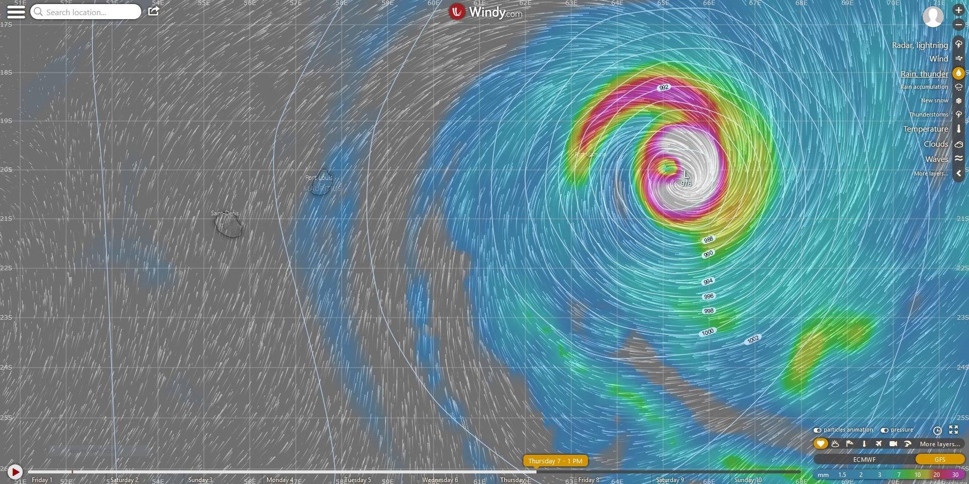 GFS, modèle américain, a près de 3 jours d'avance sur ECMWF et fait passer l'éventuel système à l'est de Rodrigues.
