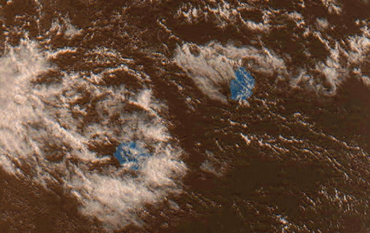 Les Iles Soeurs vues par Meteor M2 à 08h35. Photo sat reçue par J.Gentil à 4Bornes que j'ai travaillée un peu.