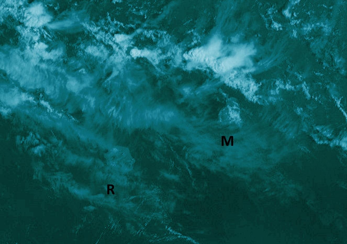 """Météosat à 10h. Nombreux nuages élevés dans votre ciel aujourd'hui. Des nuages plus actifs circulent au nord de Maurice. Crédit image: A.Banks, que j'ai """"enhanced""""."""