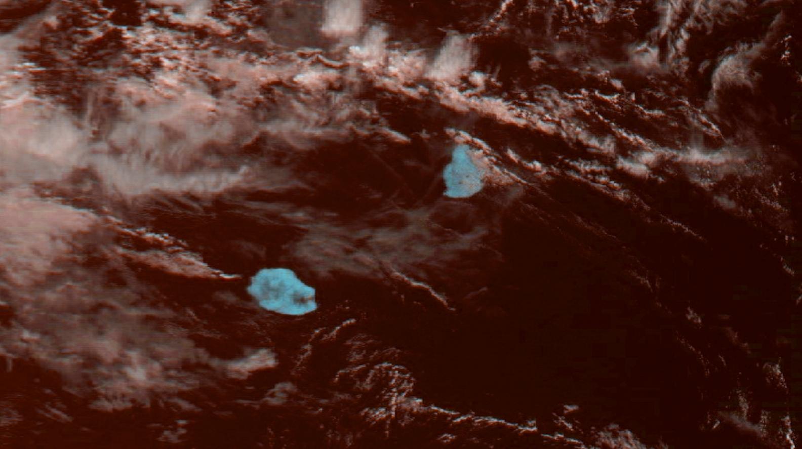 """Les Iles Soeurs capturées par Meteor M2 à 08h35 ce matin. Image reçue par J.Gentil/4Bornes, que j'ai """"enhanced""""."""