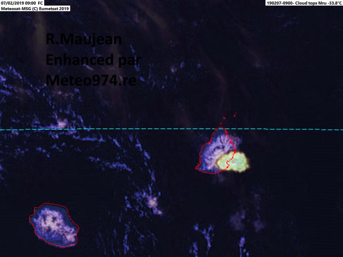 Photo satellite de 13h avec une belle cellule orageuse sur le sud est de Maurice.