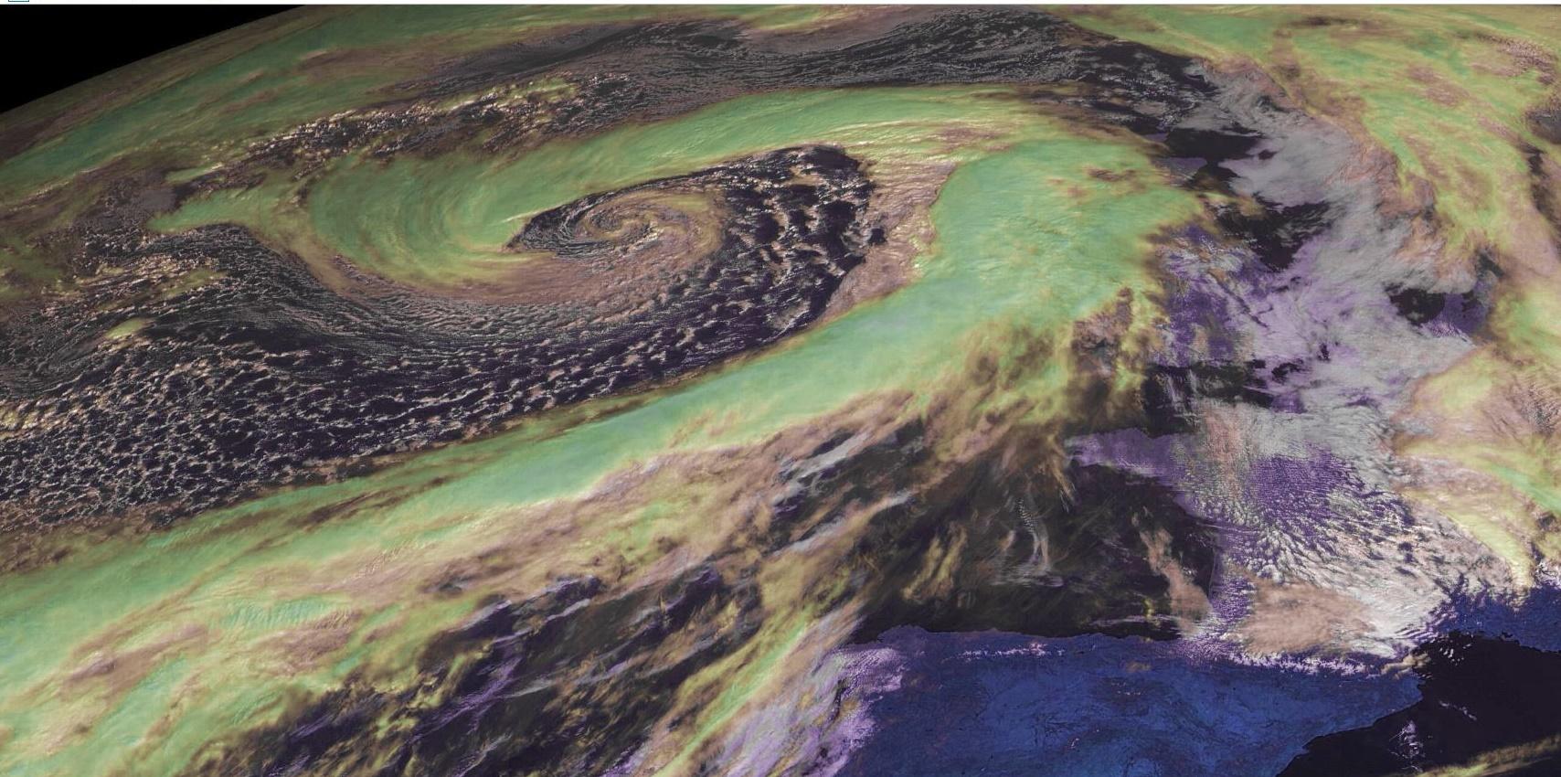 Belle tempête sur l'Atlantique à 10TU aujourd'hui mais une autre devrait se développer et intéresser directement les îles britanniques demain Dimanche soir. Photo satellite A.Banks enhanced par P.Hoareau.