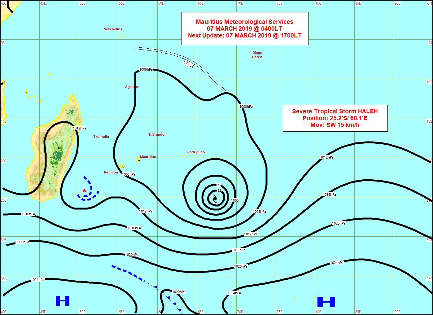 Carte établie par la météo mauricienne à 04h. Des Mascareignes seule Rodrigues reste exposée à des vents assez forts même s'ils ont tendence à faiblir. Vents faibles sur les Iles Soeurs.