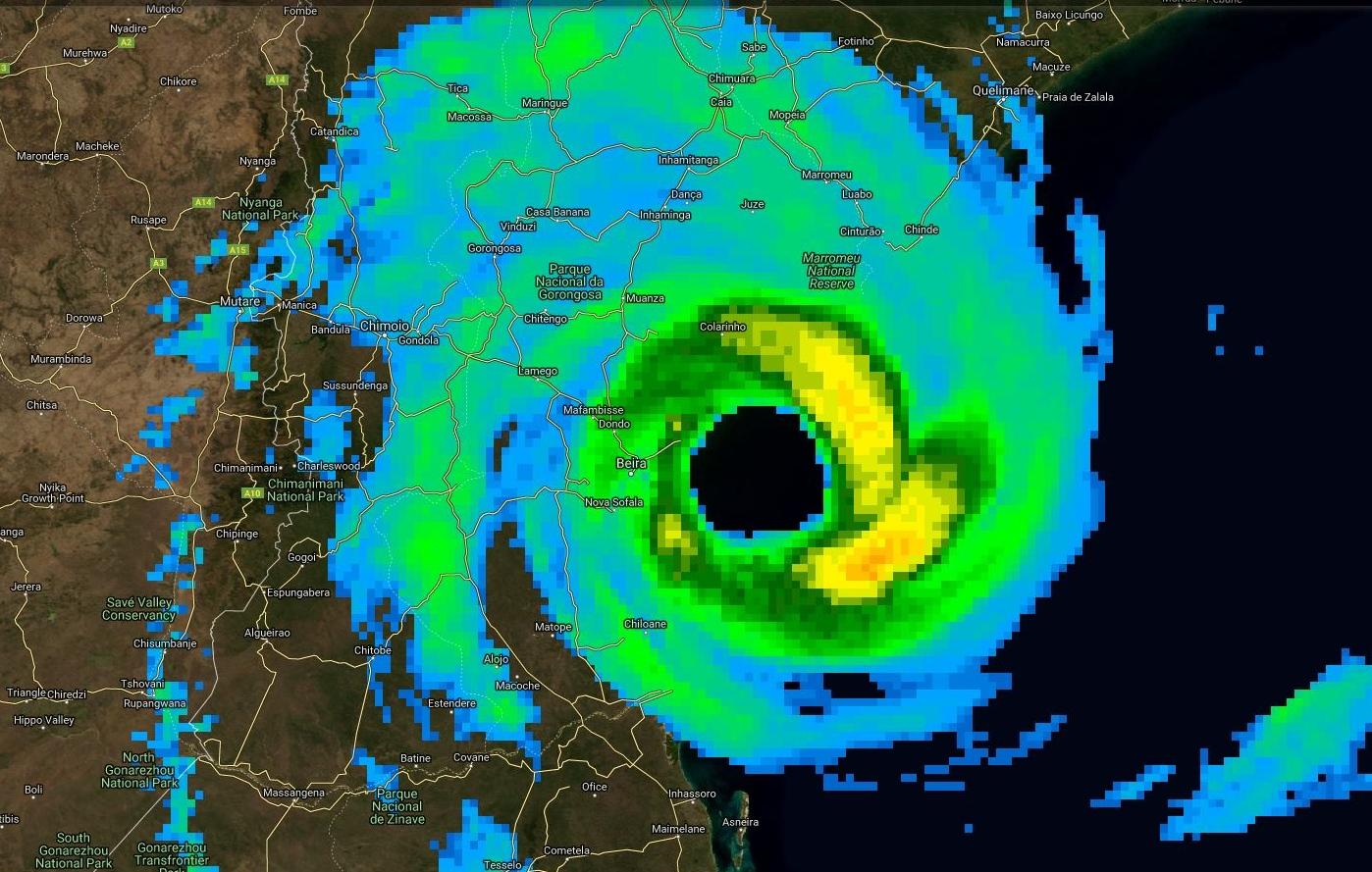 Image satellite de 22heures/Mascareignes qui redevient plutôt impressionnante.