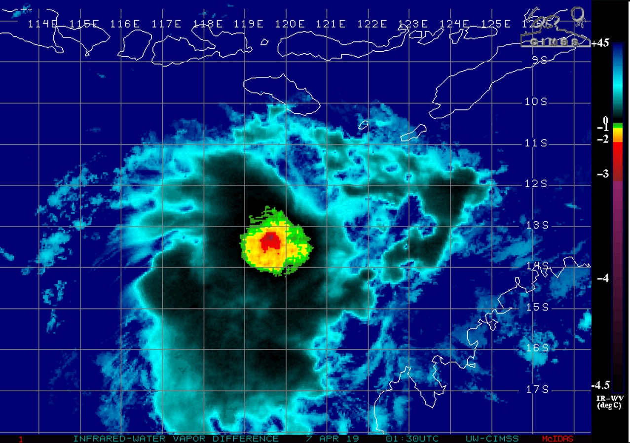 03UTC: TC WALLACE(23S) poorly organized still forecast to intensify slowly next 36/48 hours