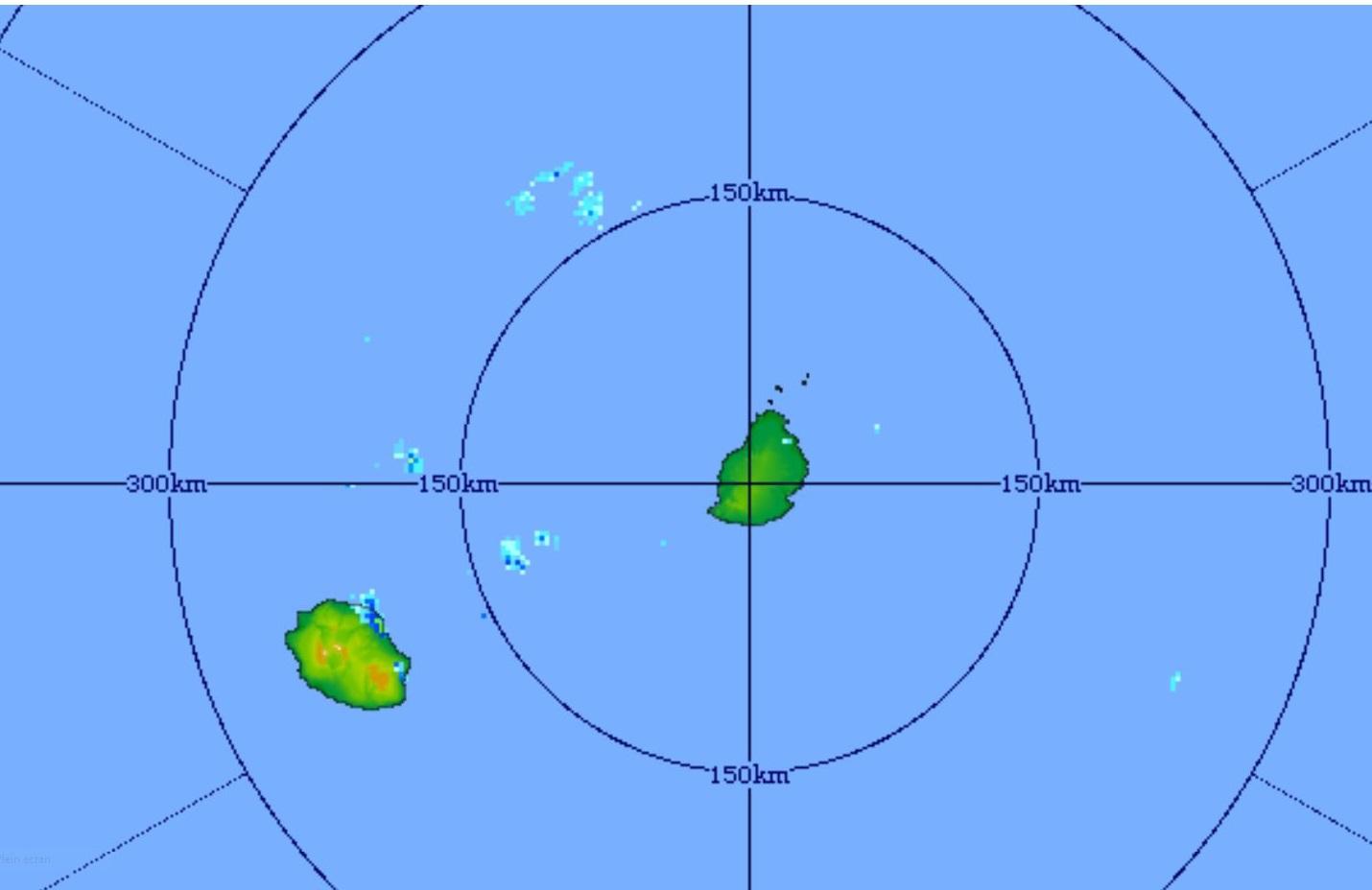Radar de Trou Aux Cerfs/Maurice. Image de 5h31 centrée sur les Iles Soeurs. Courtesy MMS/Vacoas. Quelques averses touchent la région de Saint André notamment.