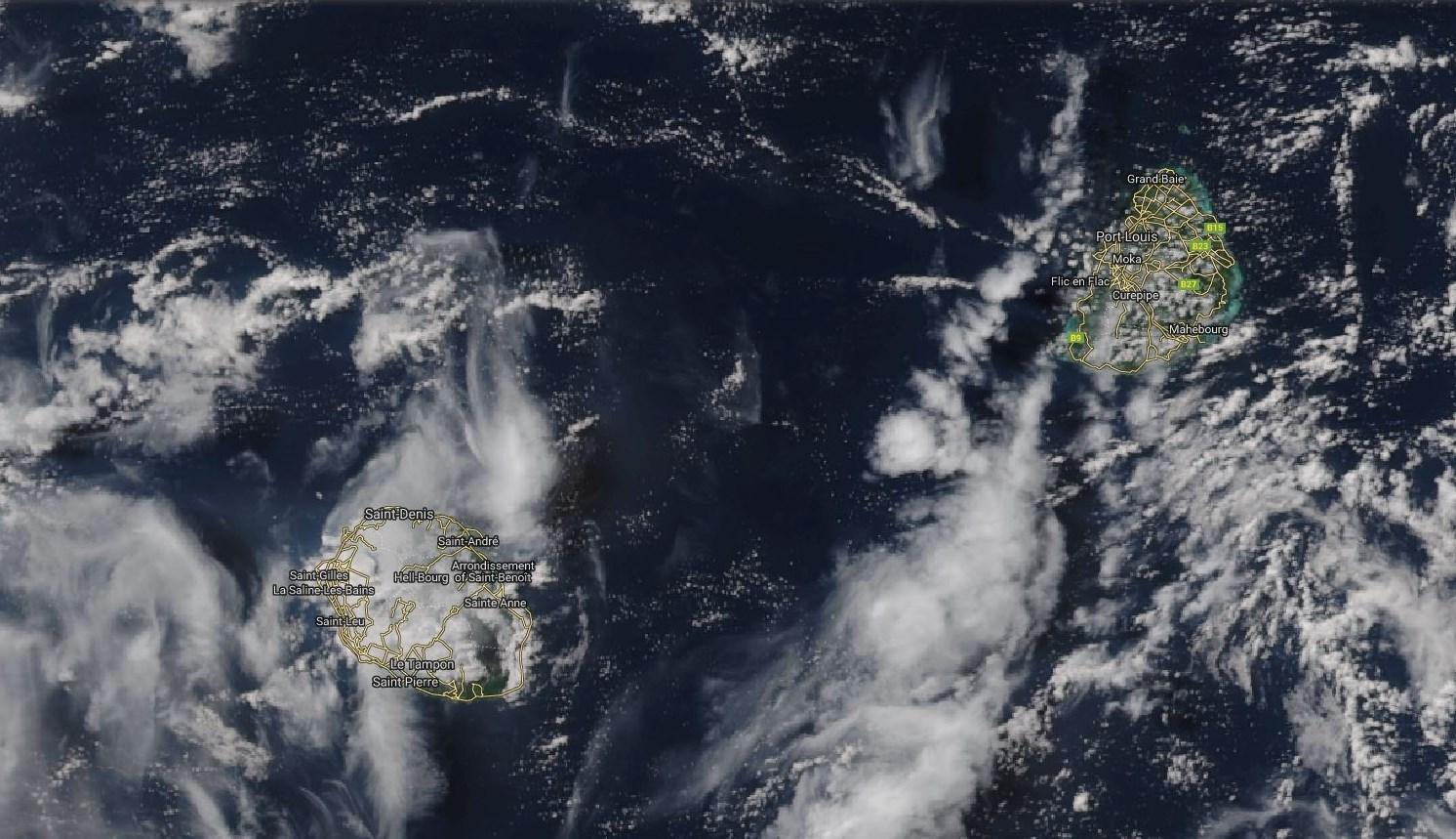 Maurice et la Réunion vues par le satellite NPP à 13h15 ce Vendredi.