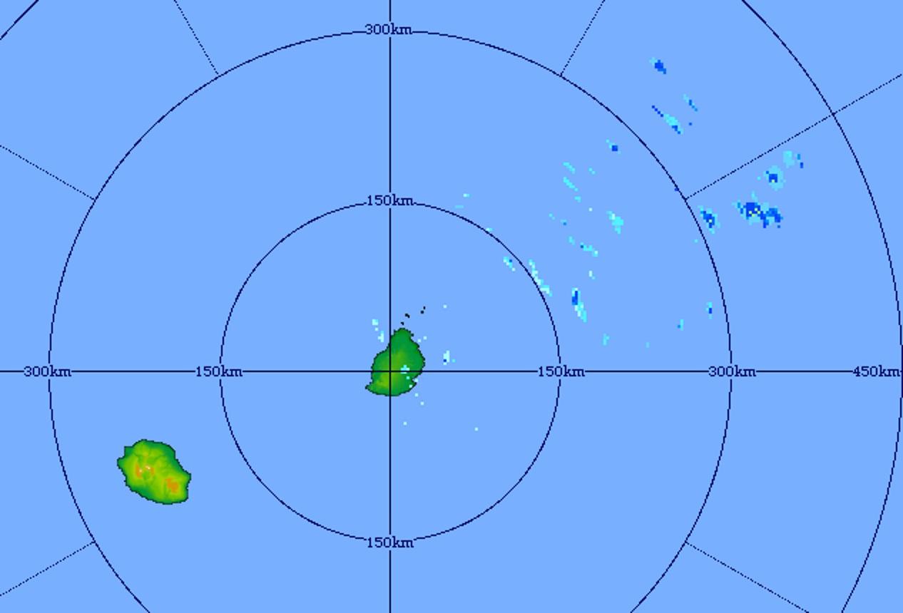 Image radar de Trou Aux Cerfs à 20h31. Des averses arrivent par l'est nord-est.
