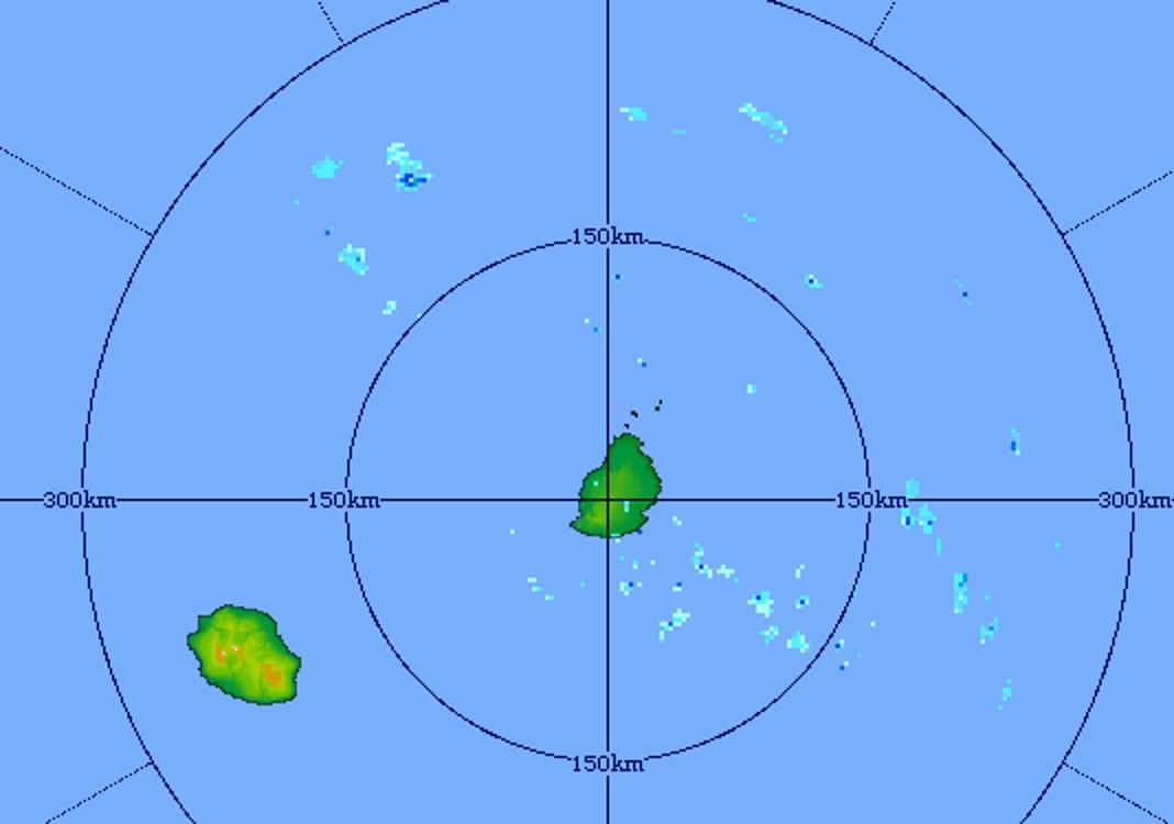 Image du radar de Trou Aux Cerfs centrée sur les Iles Soeurs. Quelques averses sur la zone. Crédit image MMS