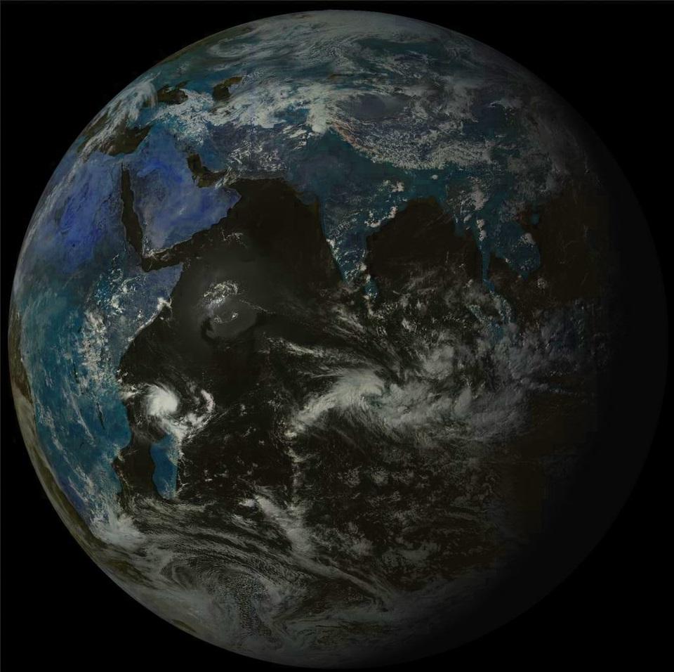 Globe du satellite russe à 13h30.