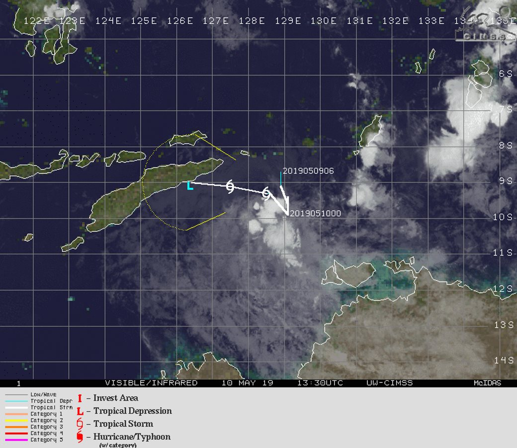 TC 26S LOCATED TO THE EAST OF TIMOR. FORECAST TO WEAKEN NEXT 12/24H
