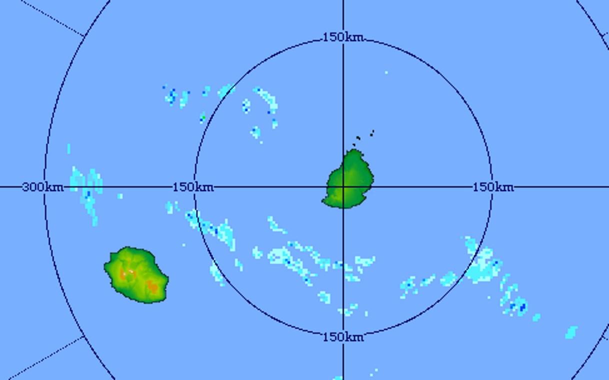 05h51: radar de Trou Aux Cerfs.  Quelques bandes pluvieuses sont au sud de MAURICE et pourront remonter vers l'île ces prochaines heures. Crédit image: MMS
