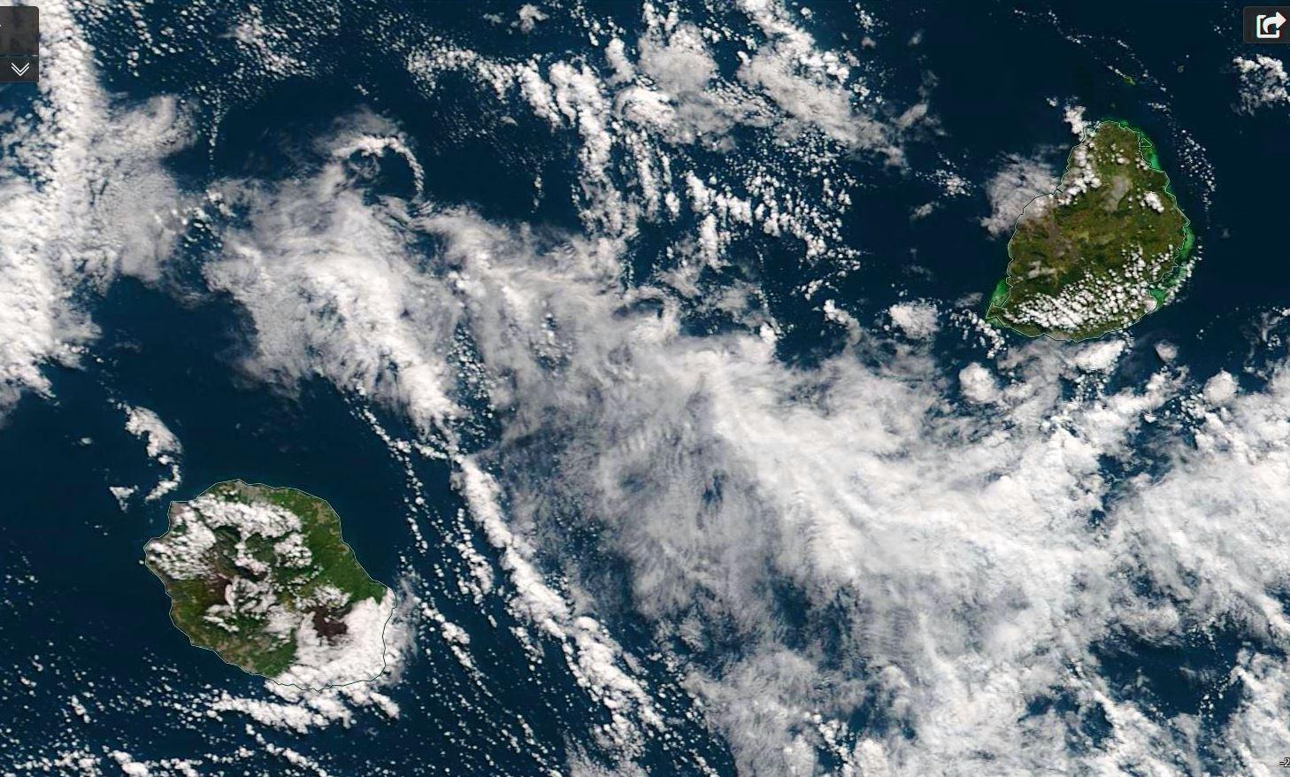 La Réunion et Maurice vues par le satellite Terra à 10h20 ce matin. NASA US