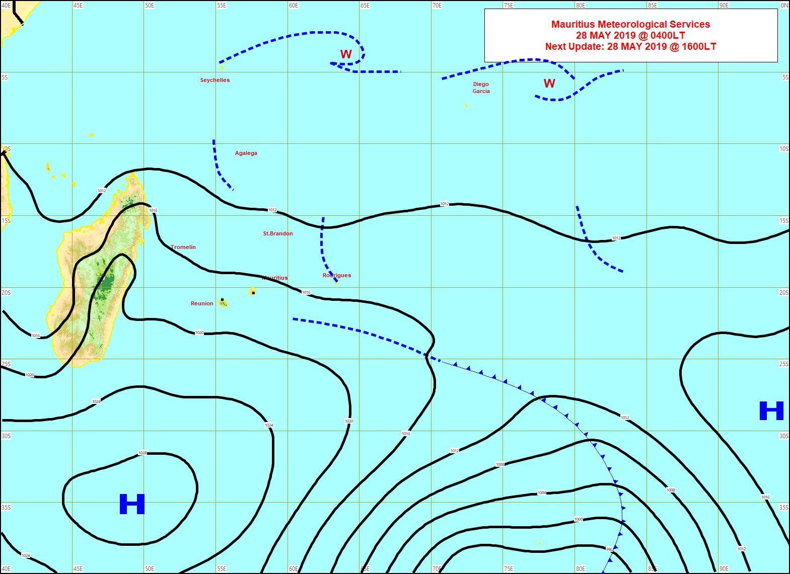 Analyse de la situation en surface à 4heures ce matin. L'anticyclone est pratiquement au sud des Iles Soeurs. MMS