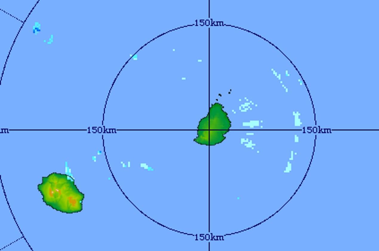5h21: image du radar de Trou Aux Cerfs: quelques averses détectées à l'est de MAURICE poussées par les vents mais d'une manière générale la masse d'air est moins humide. Crédit image: MMS