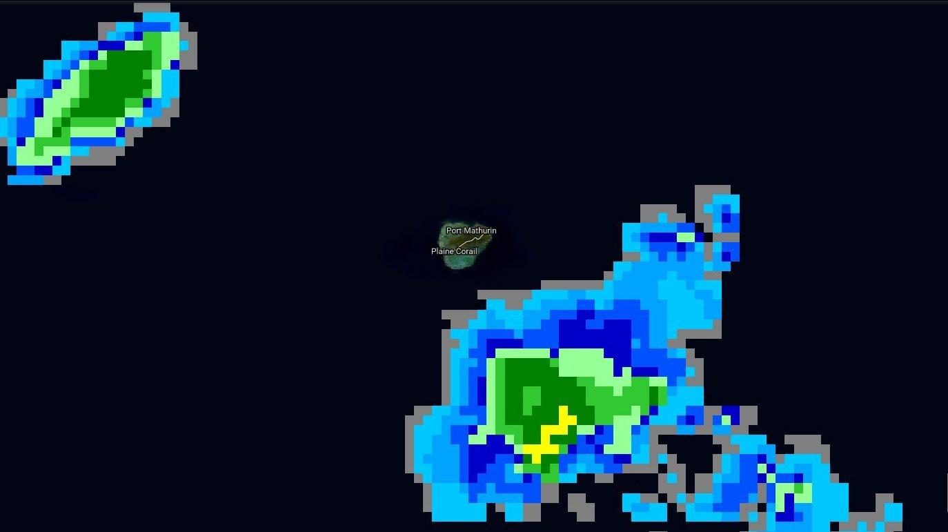 05h15: des nuages actifs ciruclent encore dans le voisinage de RODRIGUES.