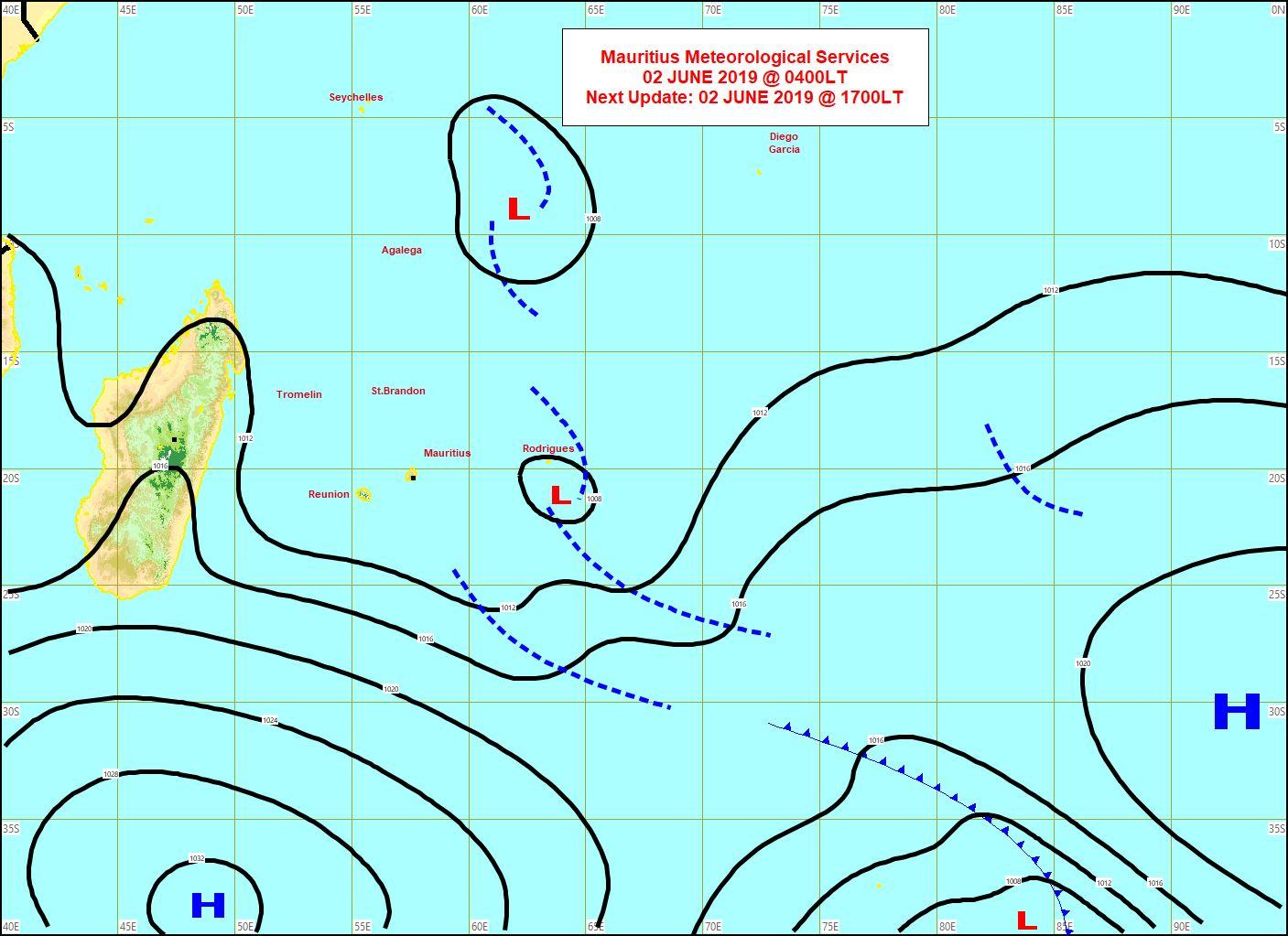 Analyse de la situation de surface à 4heures ce matin. L'anticylone(H) au sud sud-ouest des Mascareignes va apporter un changement de temps à partir de Lundi. L'instablité quant à elle s'éloigne graduellement de RODRIGUES. MMS