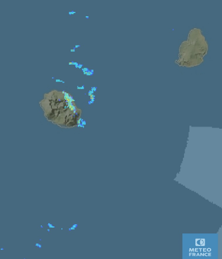 6h31: image radar . Averses bien détectées sur le nord-est avec d'autres entrées maritimes pour les prochaines heures sur ces mêmes régions. METEO FRANCE
