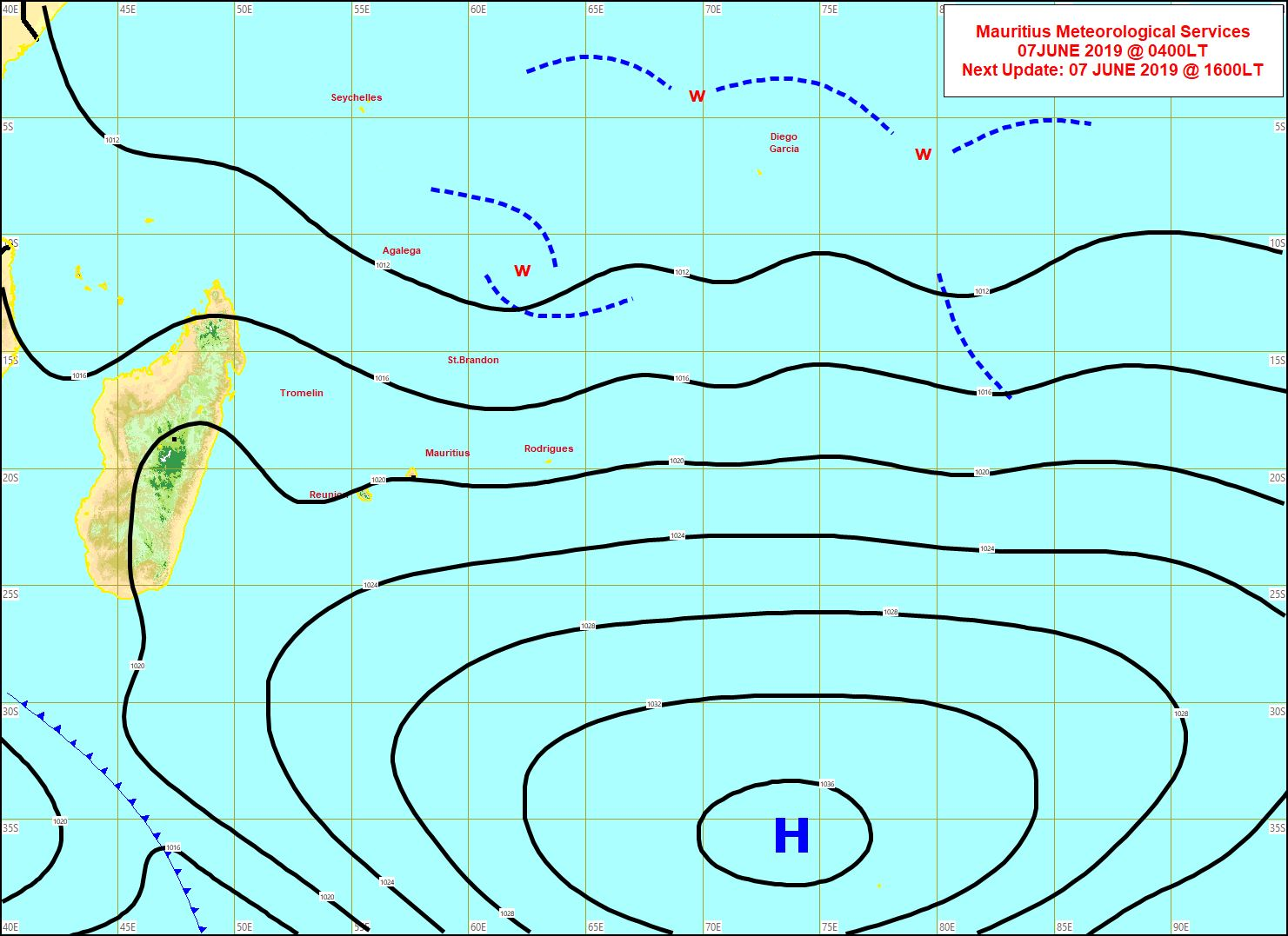 Analyse de la situation de surface ce matin. L'anticylone(H) ne s'éloigne que lentement de notre région. Au nord près de l'équateur l'activité convective reste forte pour un mois de Juin. MMS