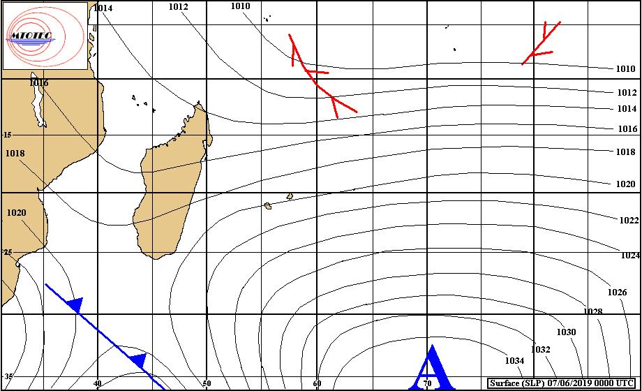 Analyse de la situation de surface ce matin. L'anticyclone s'éloigne lentement. Les alizés commencent s'affaiblissement progressivement. MTOTEC