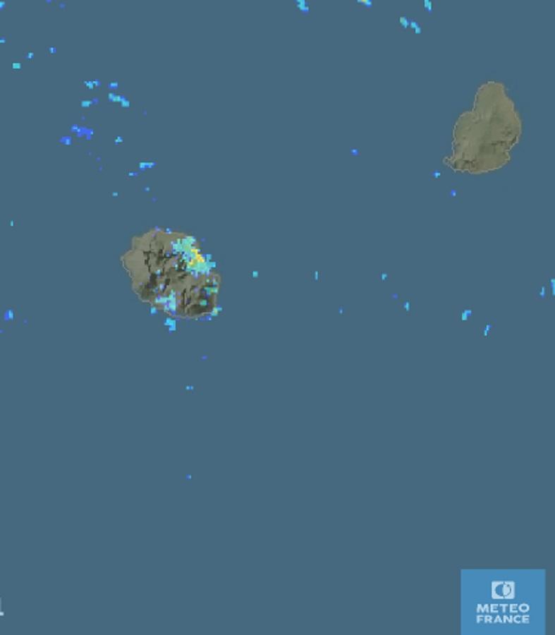 Image radar de 7h01: encore des averses localement soutenues dans la région de Saint Benoît et sur la moitié est en général ce matin. METEO FRANCE