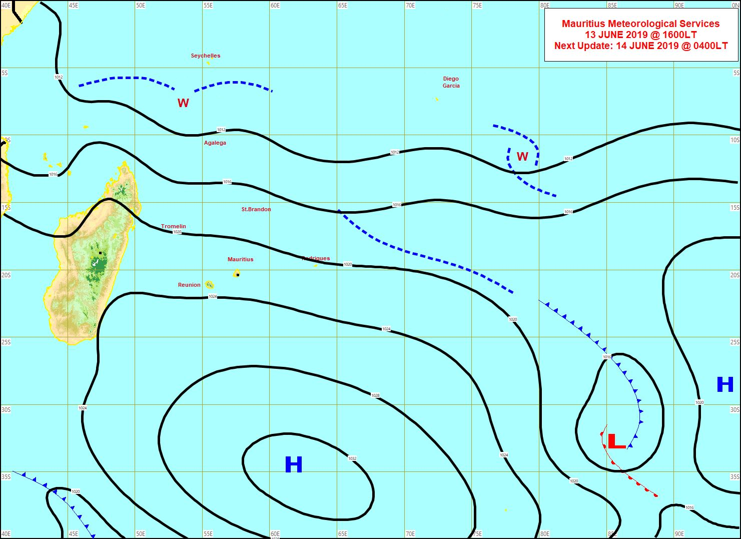 Analyse de la situation de surface à 16heures. L'anticyclone(H) commence à s'éloigner et les alizés faiblissent. MMS